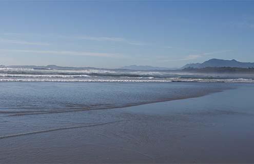 tofino-beach-combing-is-great-family-activity